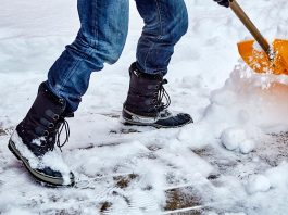 5 Handy Tools for Dealing With Snow